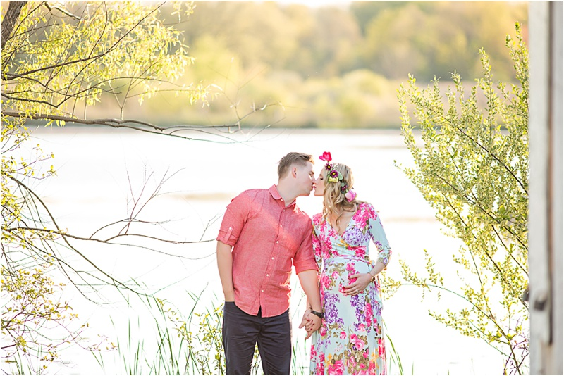 Maternity session aka Bump pictures done by Metro Detroit photographer Kendra Koman Photography